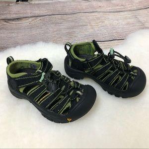 KEEN Toddler 9 Bump Toe Newport H2 Shoe Sandal
